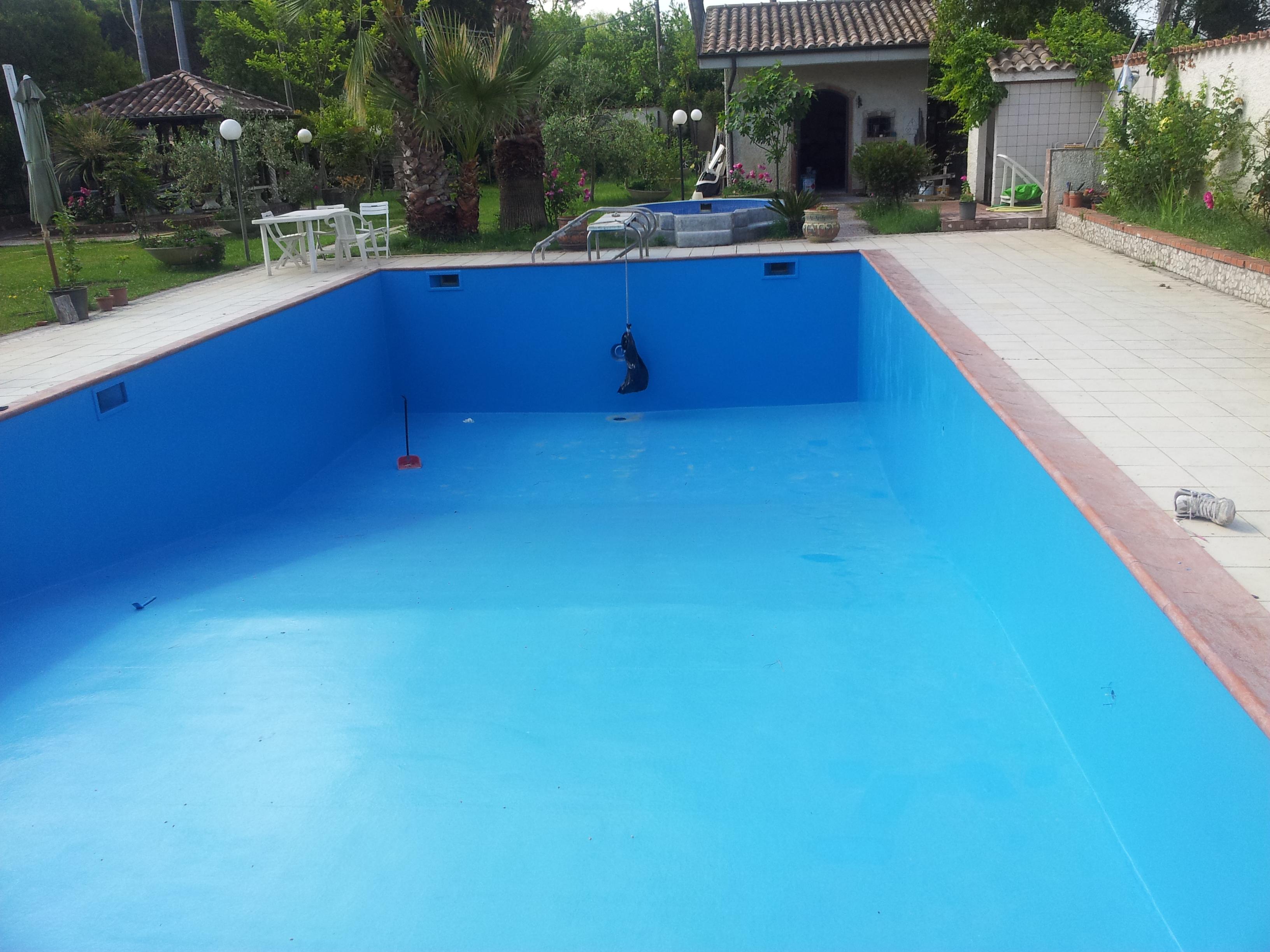 POOL COLOR finitura impermeabilizzante per piscine – Resinsiet Srl