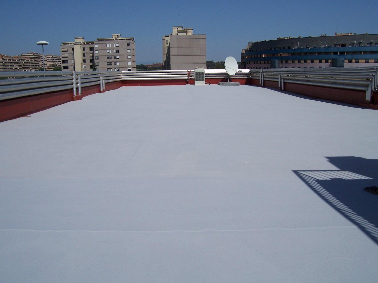 Polyu 12 guaina poliuretanica bicomponente per tappeti sportivi resinsiet srl - Impermeabilizzare il terrazzo ...