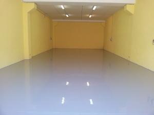 pavimento in resina bianco epossidica